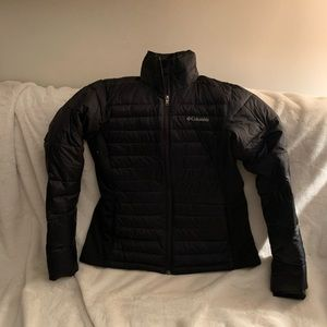 Columbia ski jacket with a polyester fill.